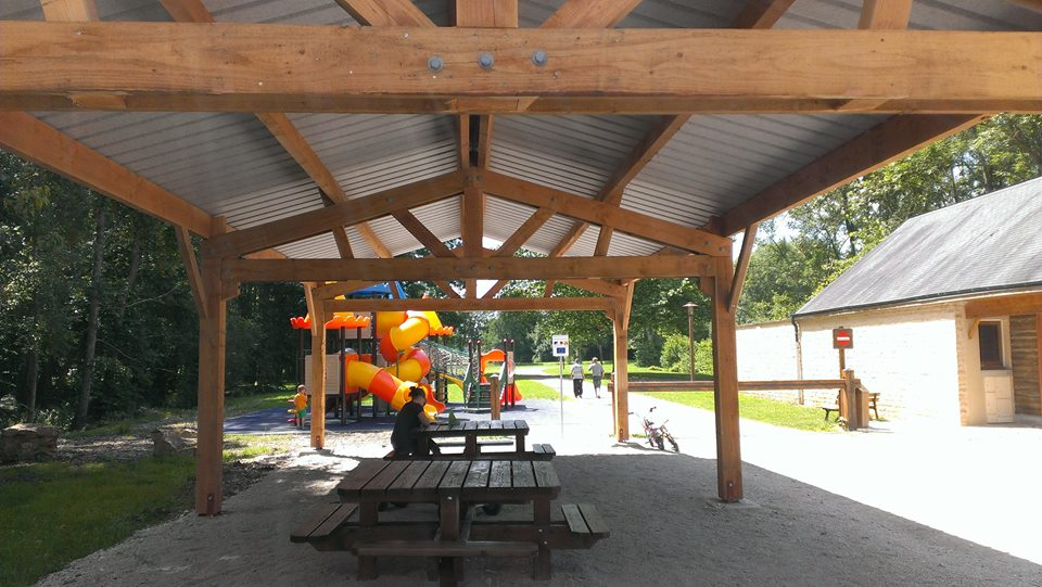 Qualité bois Hall camping Ardennes